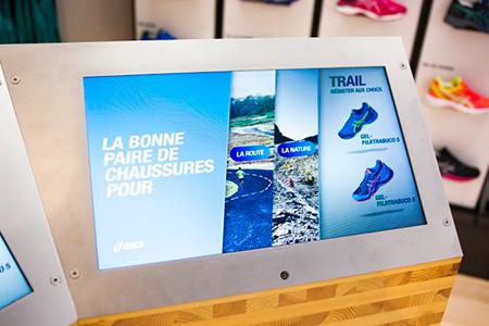 BIGPRINTS_ASICS-nuevo-concepto-retail-pantallas-tactiles
