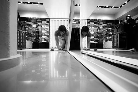 BIGPRINTS_Decoracion-en-el-sector-retail-boutiques-Emporio-Armani-Madrid-y-Barcelona
