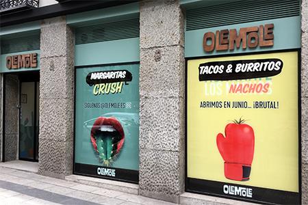BIGPRINTS_Decoracion-exterior-restaurante-Ole-Mole-en-Madrid