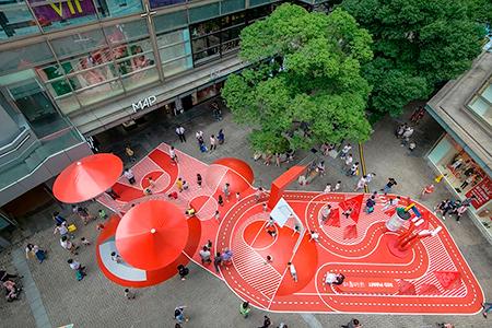 BIGPRINTS_Planeta-rojo-una-decoracion-exterior-espacio-publico
