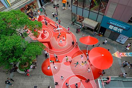 BIGPRINTS_Planeta-rojo-una-decoracion-exterior-espacios-publicos