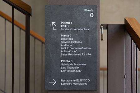BIGPRINTS_Senalizacion-integral-edificio-COAM-directorios-by-INSTORE