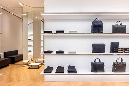 BIGPRINTS_colocacion-producto-tienda-Dior-homme