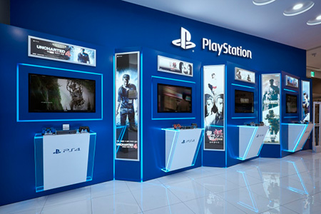 BIGPRINTS_mobiliario-personalizado-imagen-de-marca-Play-Station-Shop-Seul