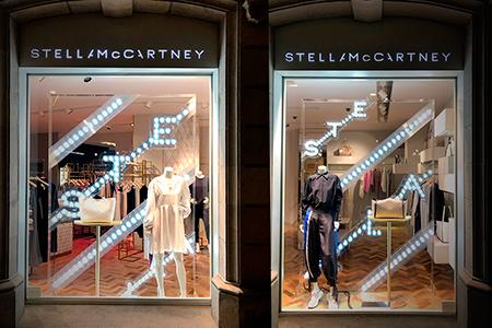 BIGPRINTS_stella-maccarney-instalacion-escaparates-para-boutique-Barcelona