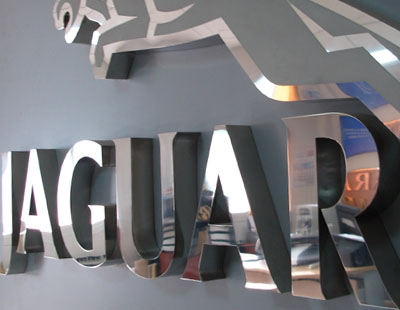 Rotulos y luminosos en madrid rotulo corporativo para - Concesionario jaguar madrid ...